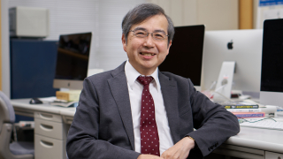 Dean of Faculty of Science and Engineering Tatsuo Unemi
